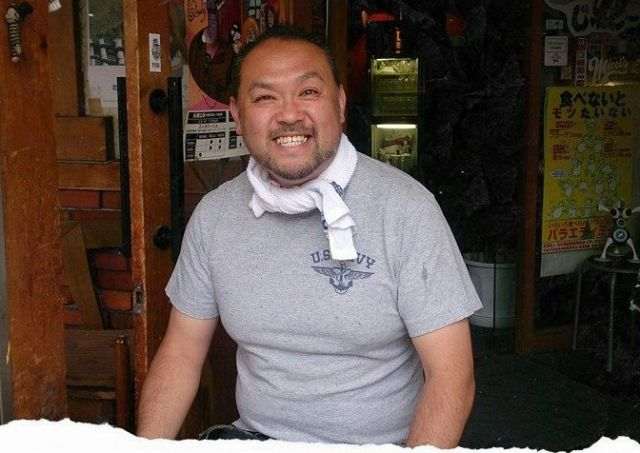 「じゃんごー」の藤本剛店長