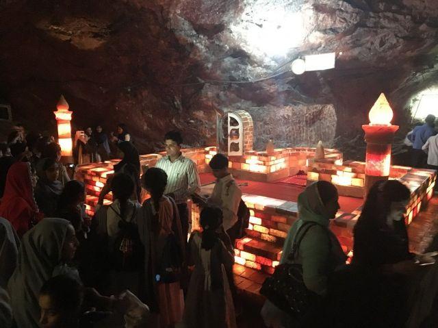 ケウラ岩塩鉱山の中にある礼拝施設