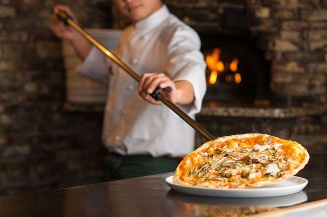 ピザ窯といえばレンガを思い浮かべる人も多いのでは(写真はイメージです)