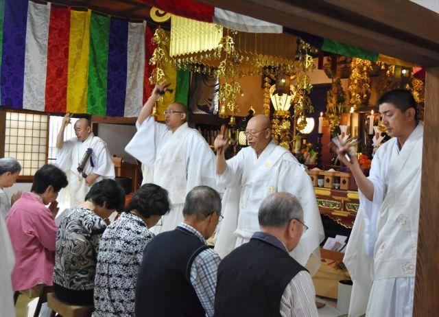 妙宣寺で年1度行われる「痔封じ」=2017年10月4日、和歌山市新堀東2丁目