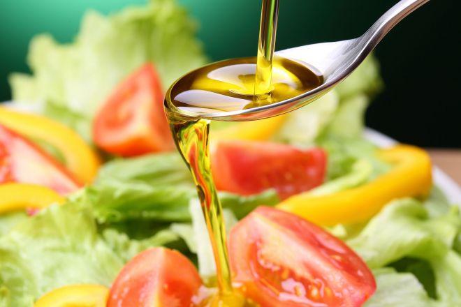 サラダ味=サラダ油+塩?(写真はイメージ)