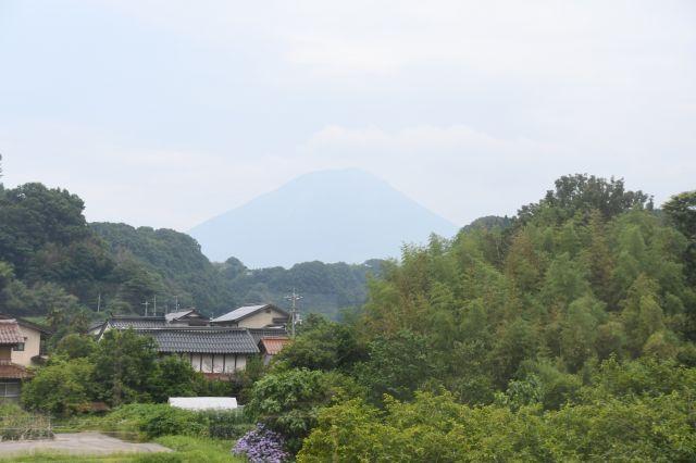 伯備線の車窓から見えた大山