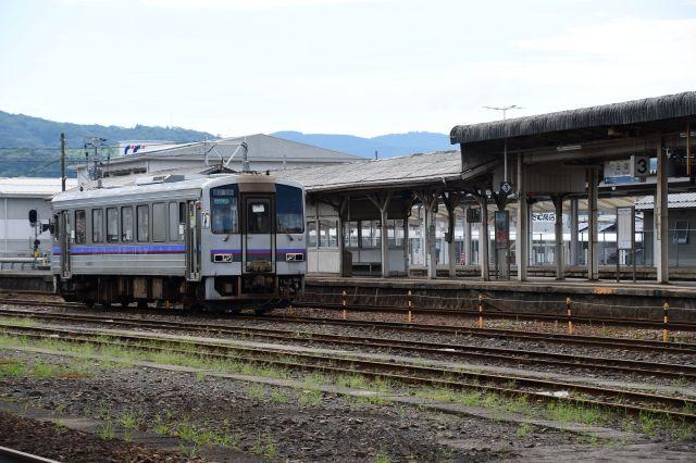 三次駅にさみしくたたずむ芸備線のディーゼル車