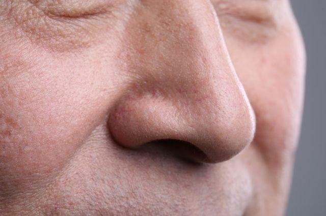 鼻うがいは「鼻の入り口」をやさしくすすぐだけ ※画像はイメージです