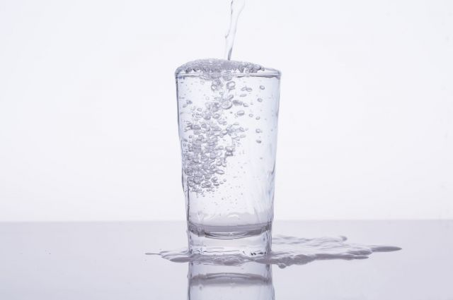 塩水鼻うがいに用意するのは「塩」およそ2グラム ※画像はイメージです