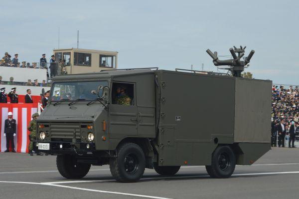 陸自の電子戦部隊から参加した車両。