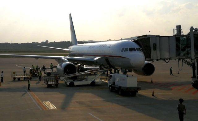 筆者が乗っていた平壌国際空港に着陸した高麗航空機=2018年9月6日、峯村健司撮影