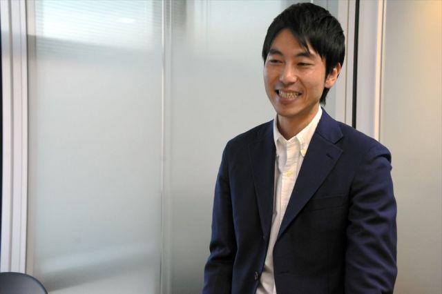 「自治体PR動画は飽和状態。新しいことをしなければ埋もれてしまう」と吉田さん。加賀市の宮元陸市長らに根気強く説明したという