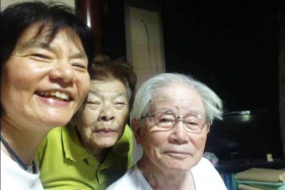 遠くに暮らす老いた両親と東京でキャリアを積み重ねる一人っ子。映画でスポットが当てられた家族のかたちは、日本全国、どこにでもある 🄫「ぼけますから、よろしくお願いします。」製作・配給委員会