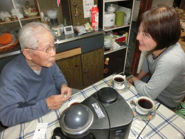 コーヒーを入れるのは、父の日課