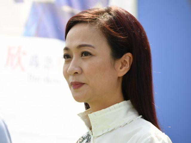 立法会補選への出馬を表明する陳凱欣さん=10月2日、香港、益満雄一郎撮影