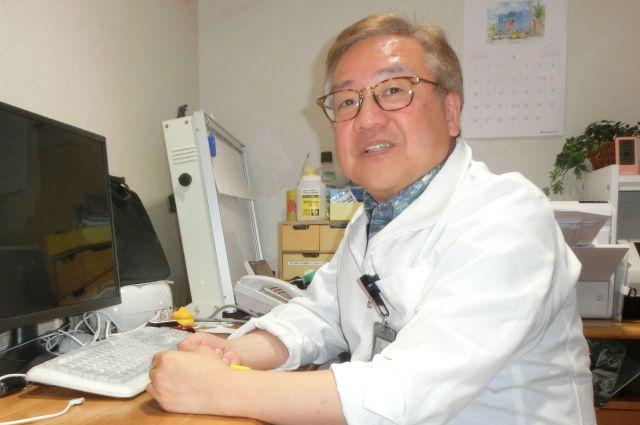 中高生ら若い世代が抱えるデートDVや性の悩みの相談を受けている産婦人科医、上村茂仁さん