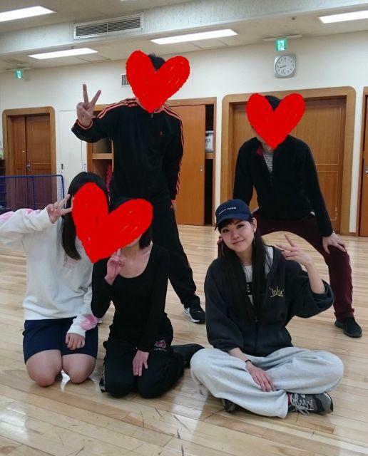 彩乃さん(手前右)は、ダンスのワークショップを開催したこともあります