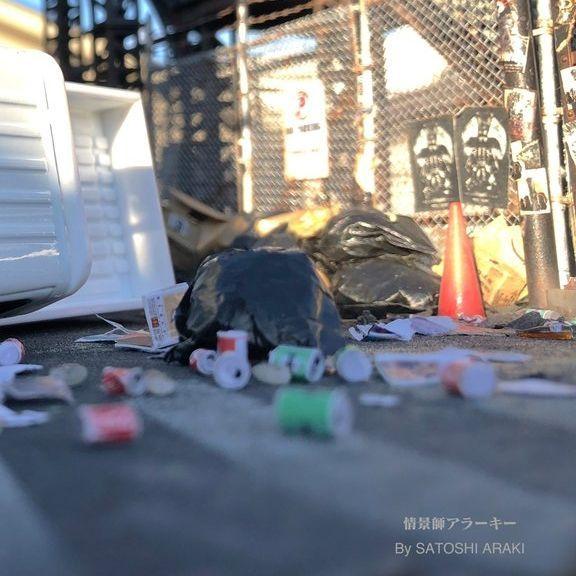 ハロウィン騒動の後の渋谷を再現したジオラマ