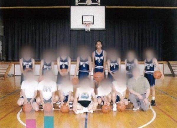 中学時代。バスケットボール部で身体能力を発揮できたことが自信に。副島さん本来の、ひょうきんな人柄も輝きだす。「劣等感しかなかった自分を、初めて良いと思えた時期」
