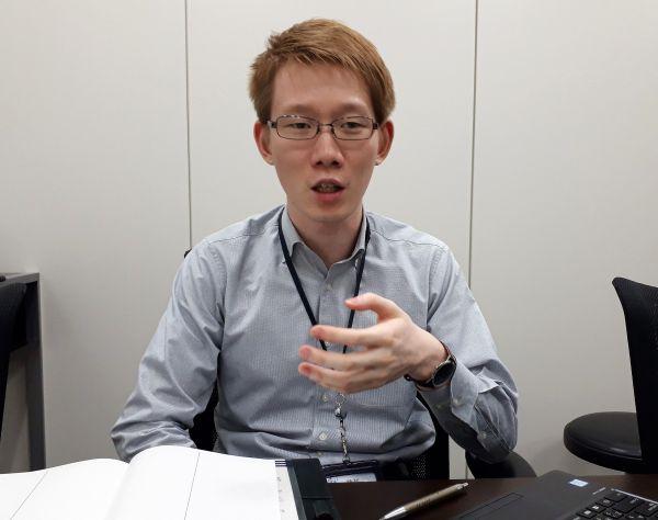 タンザニアでの体験を話す伊藤大介さん。今は、JICA職員として、途上国支援のため働いています