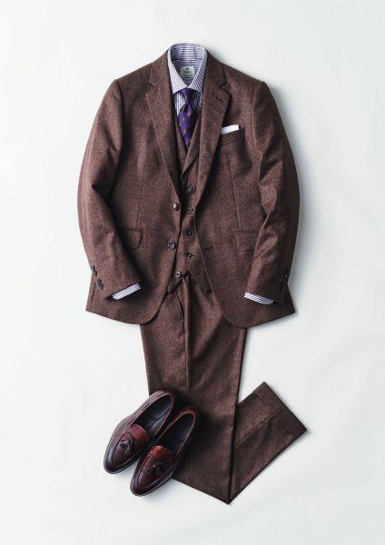 最近増えてきたブラウン系のスーツ