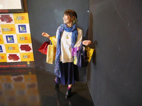 大型ショッピングモールのバーゲンセールのCMに出てくる人(2018)