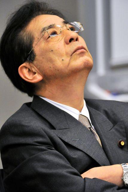 2012年4月18日、東京・永田町で