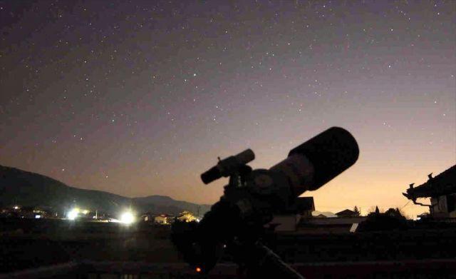 岩本さんの自宅ベランダから見た星空=徳島県阿波市阿波町、本人提供
