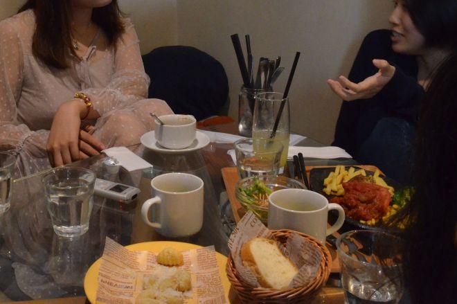 中国人留学生らの女子会で「日本の今」について出てきた意見は……