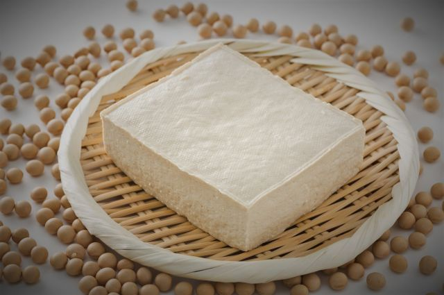 「孫に豆腐だけを分けた」と書かれた手紙が、米山さんの元に届いたという(画像はイメージ)