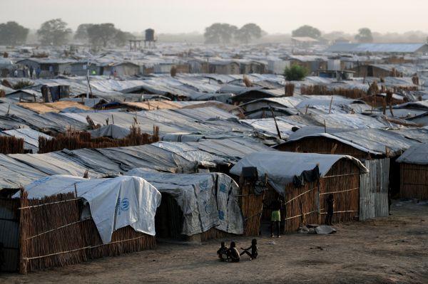 南スーダン北部ベンティウにある国内最大の国内避難民保護区=5月3日