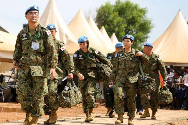 南スーダンの首都ジュバから撤収する陸上自衛隊員ら=2017年5月撮影