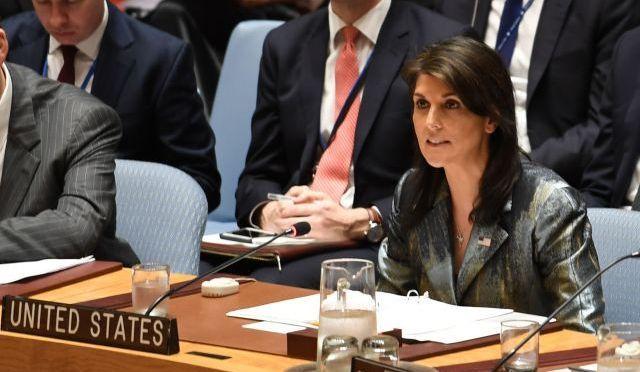 国連安保理で発言する米国のヘイリー国連大使。2018年限りでの辞任をトランプ大統領が10月に突然発表した=18年2月撮影