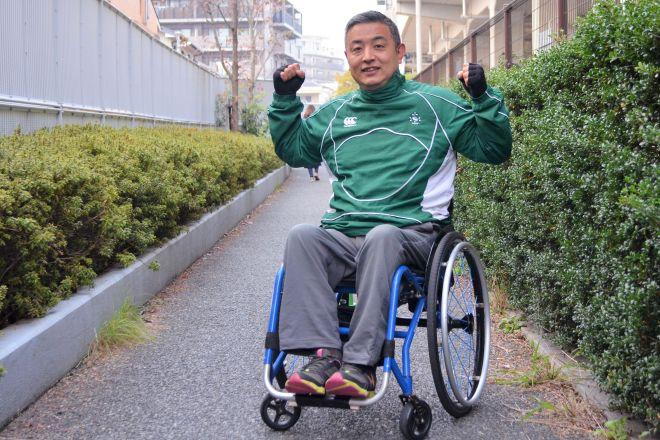 1年半前、車椅子のため旅客機に搭乗を拒否され、自力でタラップをよじ登ったことが注目された木島英登さん