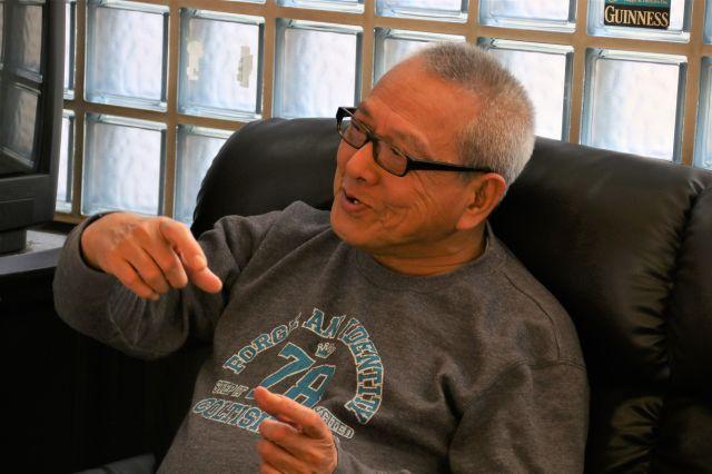 「砂かけ」の被害に悩まされているという小川隆一郎さん