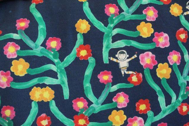 子どもの描いた作品を使ったバッグの模様=鈴木暁子撮影