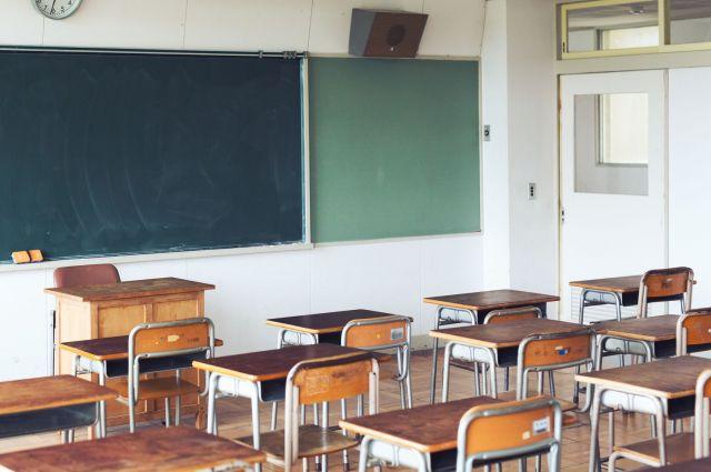 学校の勉強のペースについていけず、時駆さんは休みがちになりました(写真はイメージです)
