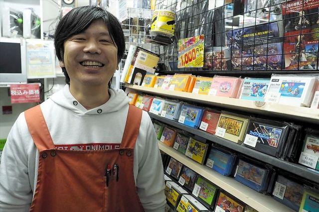 名古屋・大須で中古ゲーム店「MEIKOYA(メイコヤ)」を営む三浦崇司さん=名古屋市中区大須3丁目