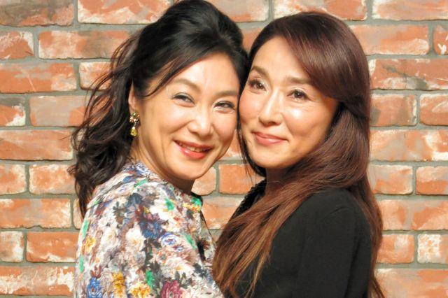 広末さんが憧れていた浅野温子さん(左)と浅野ゆう子さん=2013年8月6日、東京都渋谷区