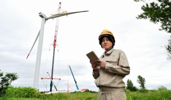 山本留美子さん 全国で手がけた風力発電、225基 /東光電気工事 再エネ事業部開発部開発課課長(46歳)=青木美伸撮影