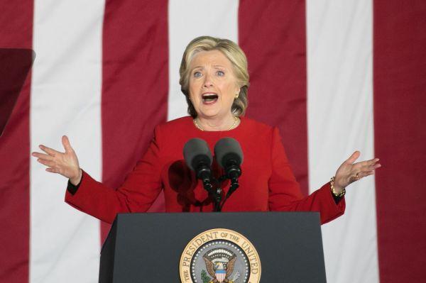 民主党のヒラリー・クリントン氏=2016年11月、アメリカ・フィラデルフィア、ランハム裕子撮影