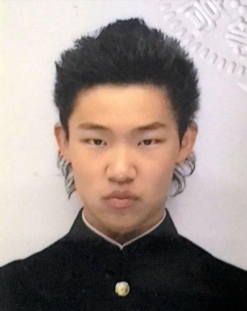 古川拓さんの高校時代の学生証の写真。「恥ずかしいを通り越してネタですね」=本人提供