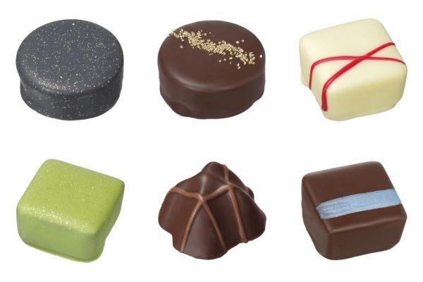 武将12人をイメージしたチョコレート詰め合わせ「つわもの揃い」の一部