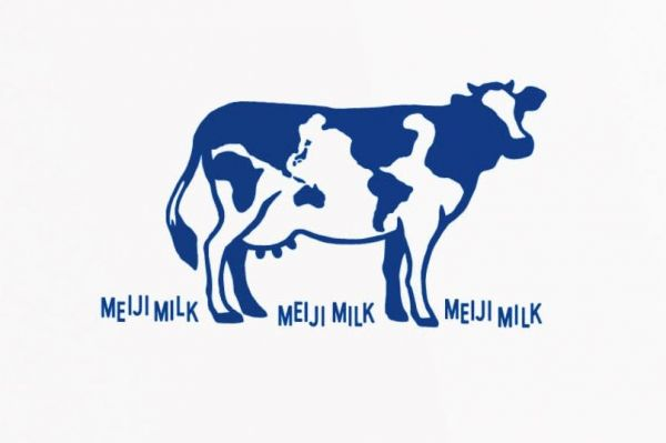 明治牛乳のパッケージに描かれた牛。2つ秘密が隠されています