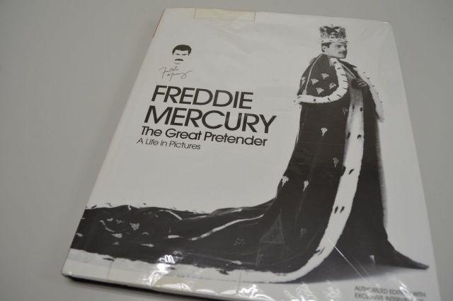 フレディの写真集