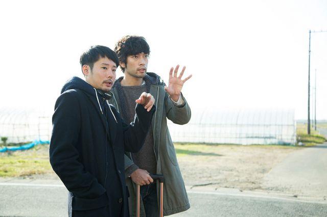 藤井道人監督(左) ©2019「デイアンドナイト」製作委員会