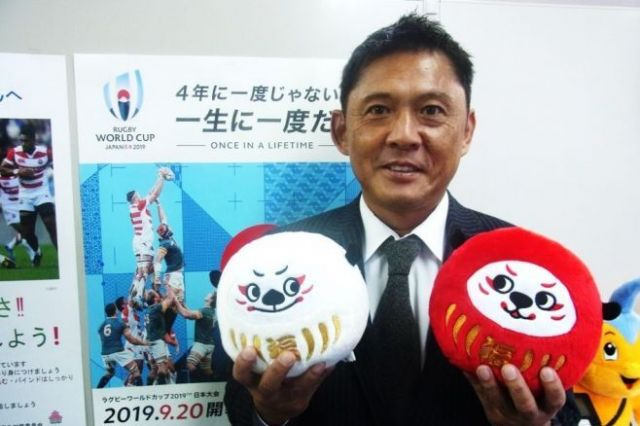 藪木宏之(やぶき・ひろゆき) 1966年山口県生まれ。明治大学をへて88年に神戸製鋼ラグビー部に入る。神戸製鋼が89年~95年に日本選手権7連覇を果たしたころの主力メンバーとして活躍、98年に引退。企業人としては広報畑を歩み、2016年4月に日本ラグビーフットボール協会へ出向。現在、同協会の広報部部長。