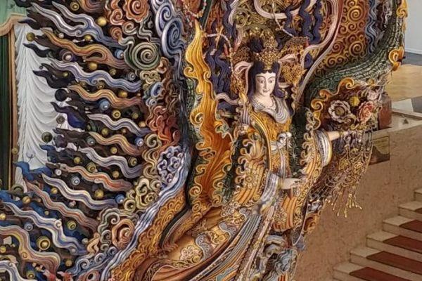 日本橋三越本店の本館にある「天女像」