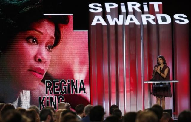 キングが演じるティッシュの母シャロン役のレジーナ・キング=ロイター
