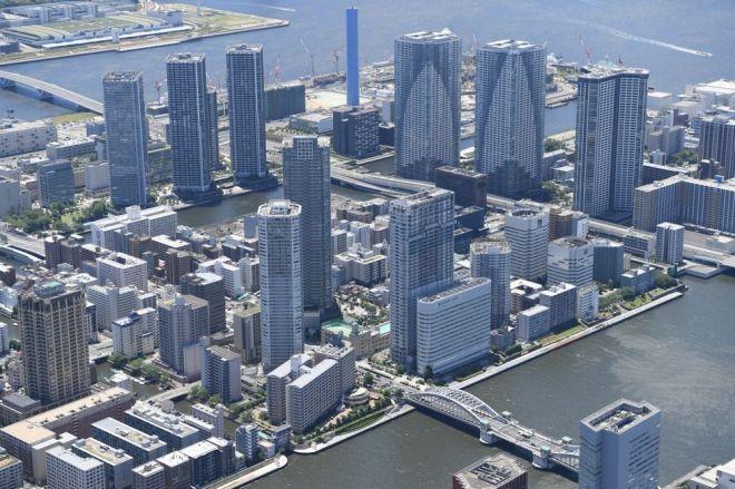 タワーマンションが立ち並ぶ東京の臨海部=2018年6月、東京都中央区、伊藤進之介撮影