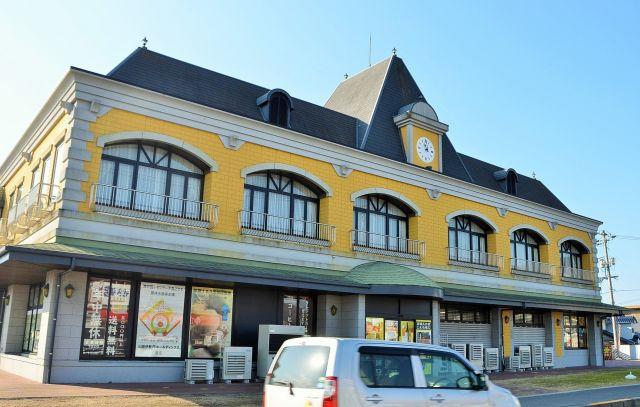 「レモン王子の居城」の店舗兼工場=広島県尾道市瀬戸田町