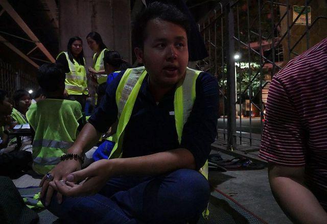 「高架下学校」を運営する団体の創始者の1人、トージンさん。無給だが、「しんどいと思ったことはない」という=2019年2月、ミャンマー・ヤンゴン