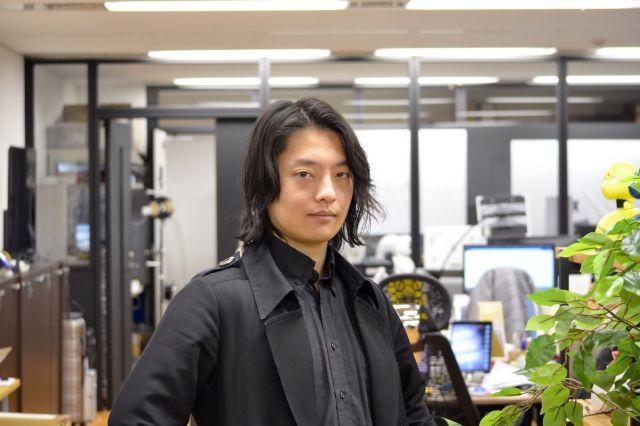 吉藤オリィさん=18日、東京都港区のオリィ研究所。1987年生まれ、奈良県出身。不登校時代を経て、ロボット開発に興味を持ち、工業高校に入学。在学中の2004年、『高校生科学技術チャレンジ(JSEC)』に電動車いすで出場し、優勝。05年、アメリカで開催される世界最大の科学コンテスト『インテル国際学生科学技術フェア(ISEF)』のエンジニアリング部門で3位に。早稲田大学在学中の10年に分身ロボット『Orihime』を開発。