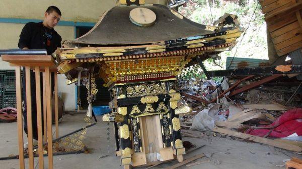 東日本大震災で被災した神輿